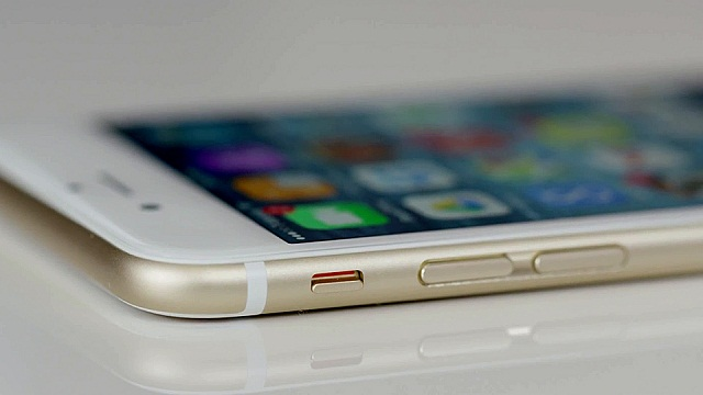Thử ấn vào các phím cứng trên iPhone xem chúng có còn hoạt động bình thường không