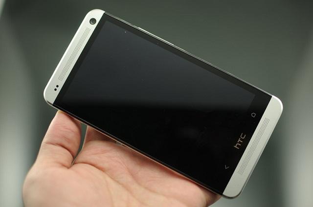 Điện thoại HTC mất nguồn đột ngột khiến mọi hoạt động của máy bị tạm dừng