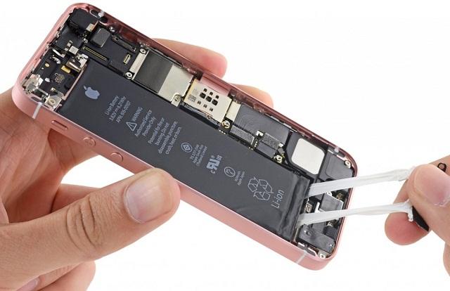Thay pin iPhone chính hãng nếu pin cũ bị chai