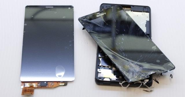 Nếu mặt kính bị vỡ thì chỉ cần thay thế chi tiết này để tiết kiệm chi phí