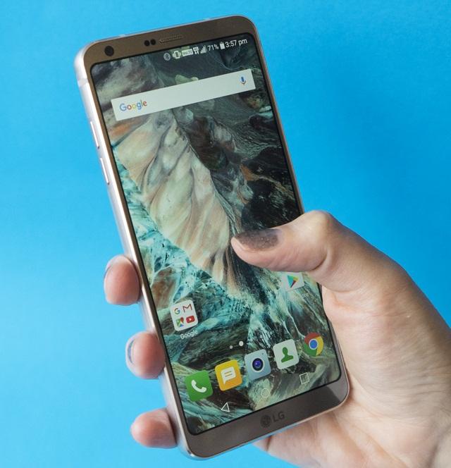 Chạm tay vào màn hình nhưng điện thoại LG không có tín hiệu phản hồi