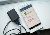 Năng lượng để điện thoai Sony hoạt động được cung cấp thông qua việc sạc pin