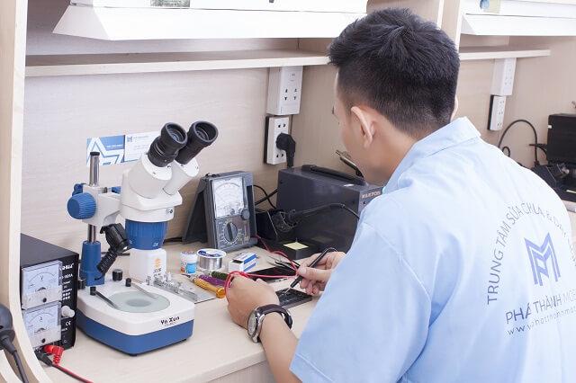 Kỹ thuật sửa iPhone tại Phát Thành