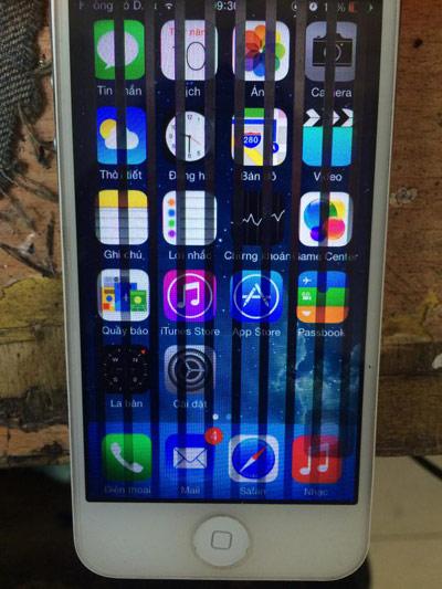 nguyễn nhân iphone bị sọc màn hình